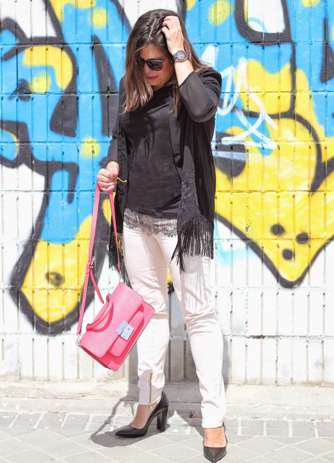 photo-look-street_style-kimono_negro_flecos