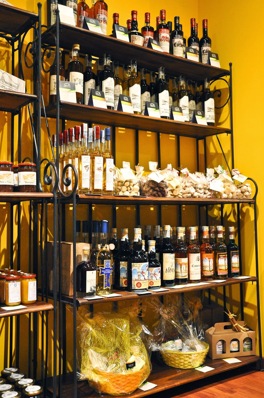 Drinks, sweets and cosmetics sold by the L'Angolo Sublime - a charming shop in Vicenza selling artisan products made in Italian monasteries