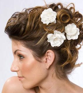 Elegant Wedding Hair Flower Ideas
