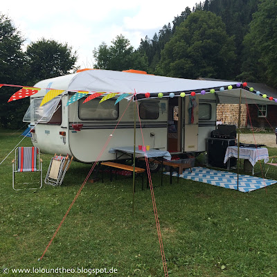 Alter Wohnwagen / Wimpelkette / Lampions / Lampionkette / Camping / Retro / Vintage