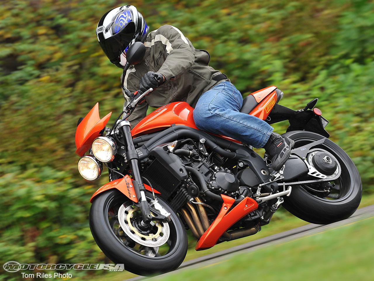http://4.bp.blogspot.com/-irTff8EYZoA/TwCvuHrqAQI/AAAAAAAAA6w/YHkNQPWPG-8/s1600/Pirelli-Angel-ST-Tire-6.jpg