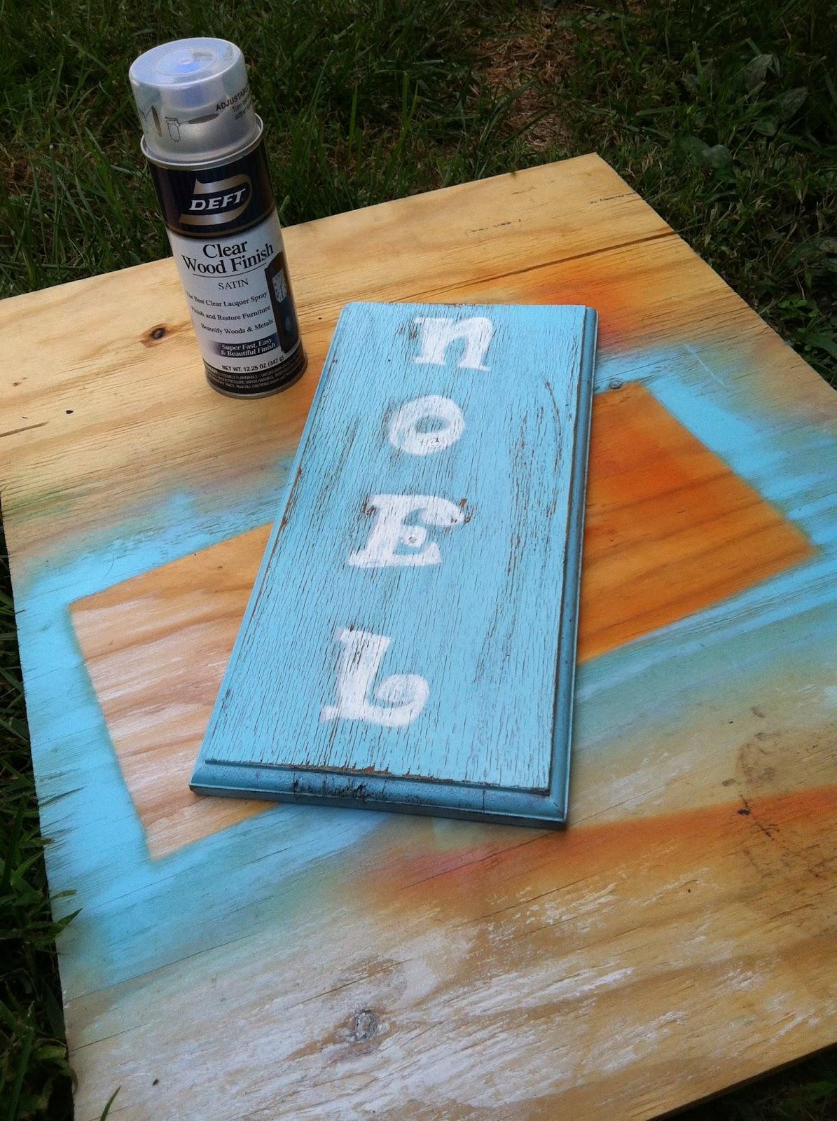 DIY Reclaimed Wood Noel Door Hanger