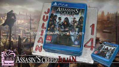 Tarta personalizada de fondant videojuego Assassin's Creed Laia's Cupcakes Puerto Sagunto