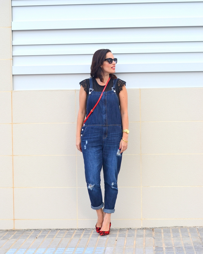 overall_and_red_5