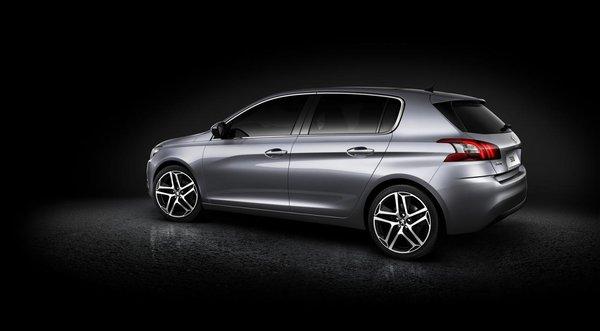 новый Peugeot 308 2013 года