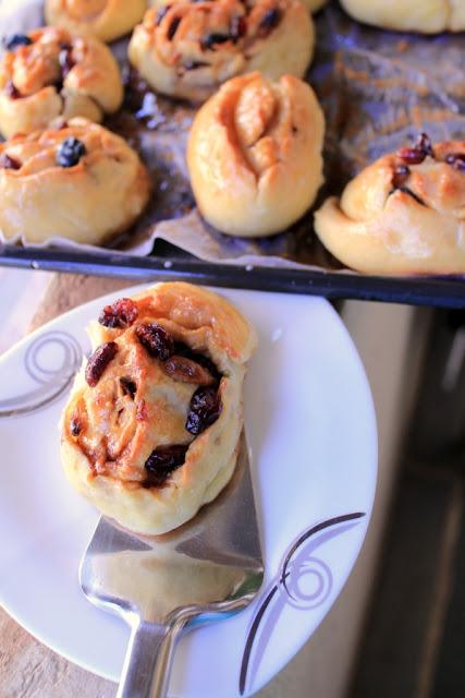 Chelsea buns, classic English Chelesa buns