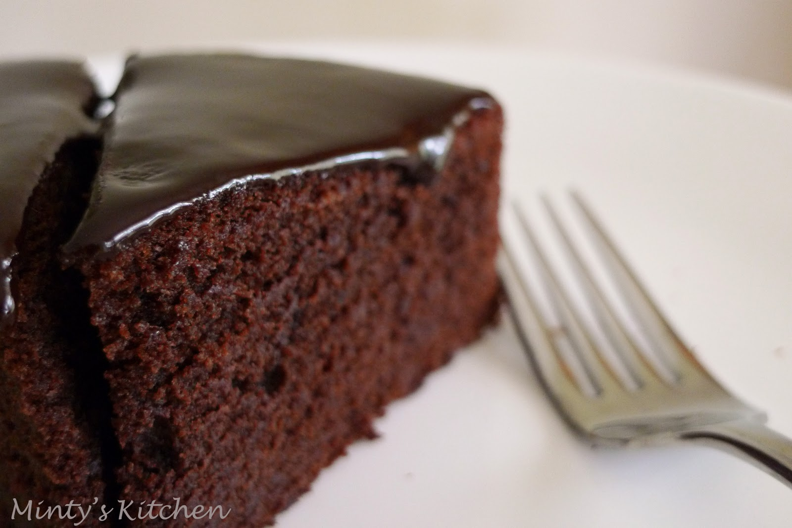 Minty s Kitchen: Rich Chocolate Cake