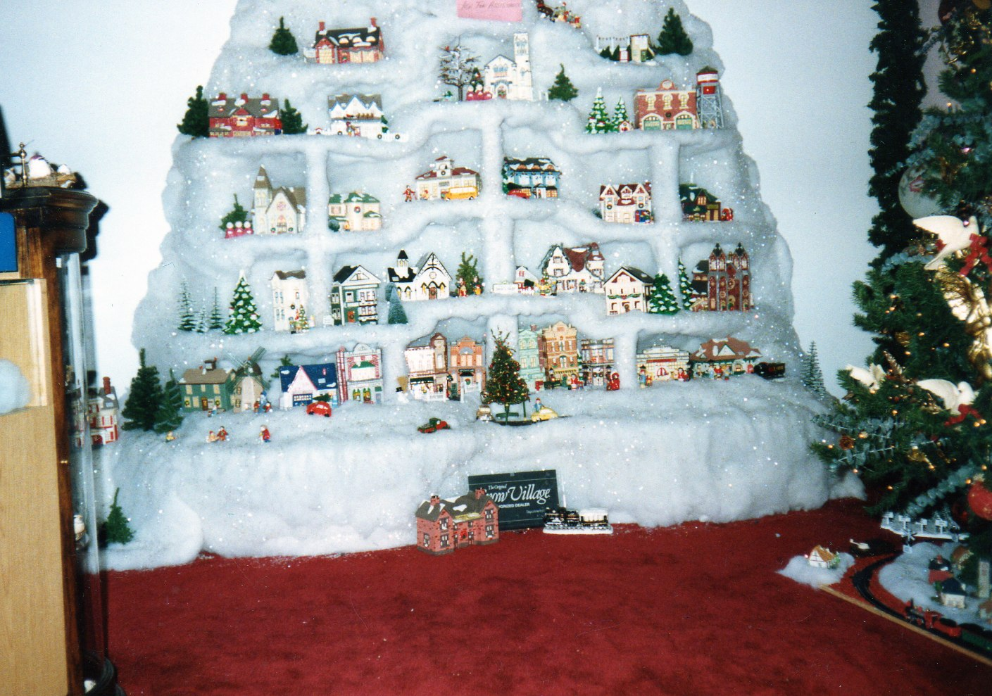 urbanchristmas decorating ideas: Christmas Villages: One ...