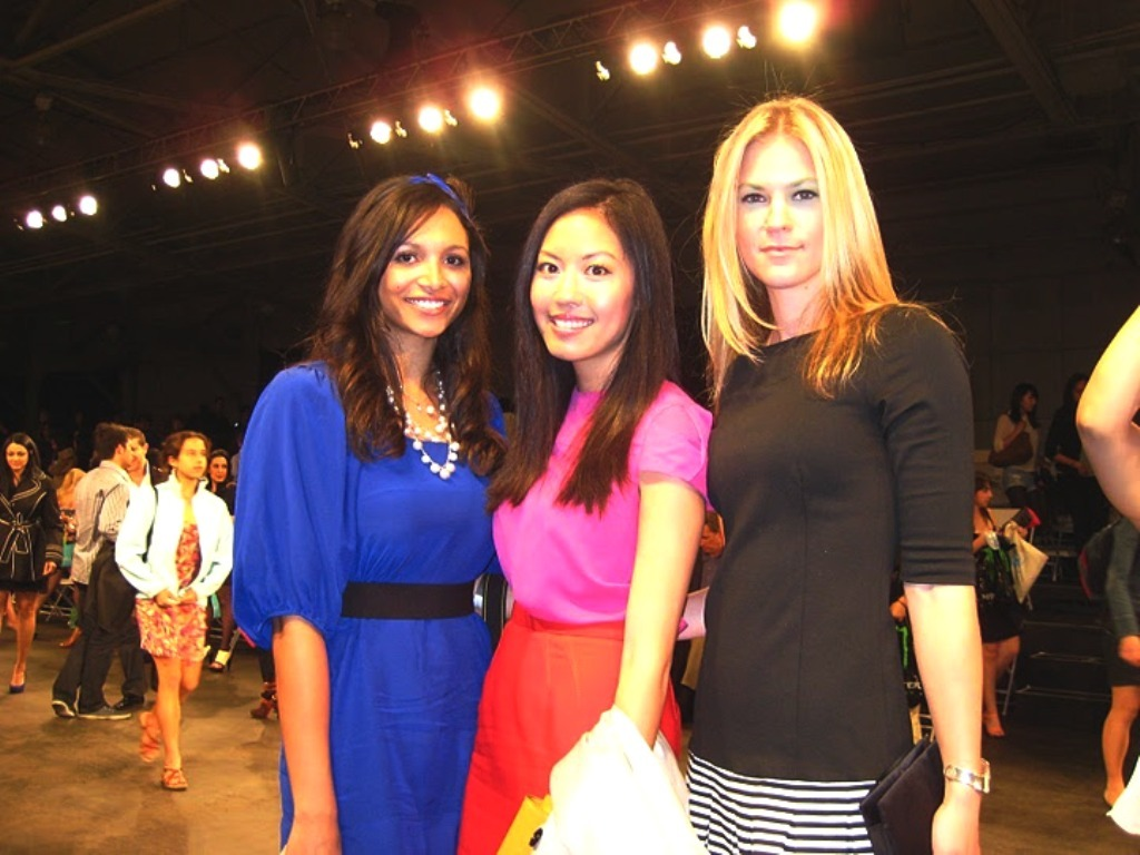 http://4.bp.blogspot.com/-isfETIajge0/Tz7qt6qotLI/AAAAAAAAMPI/nZkLJ8UIfU4/s1600/FashionShowAnh.JPG