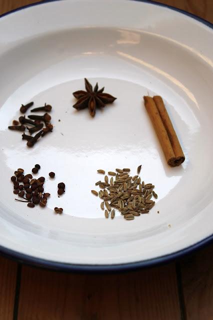 Homemade Five-Spice-Powder