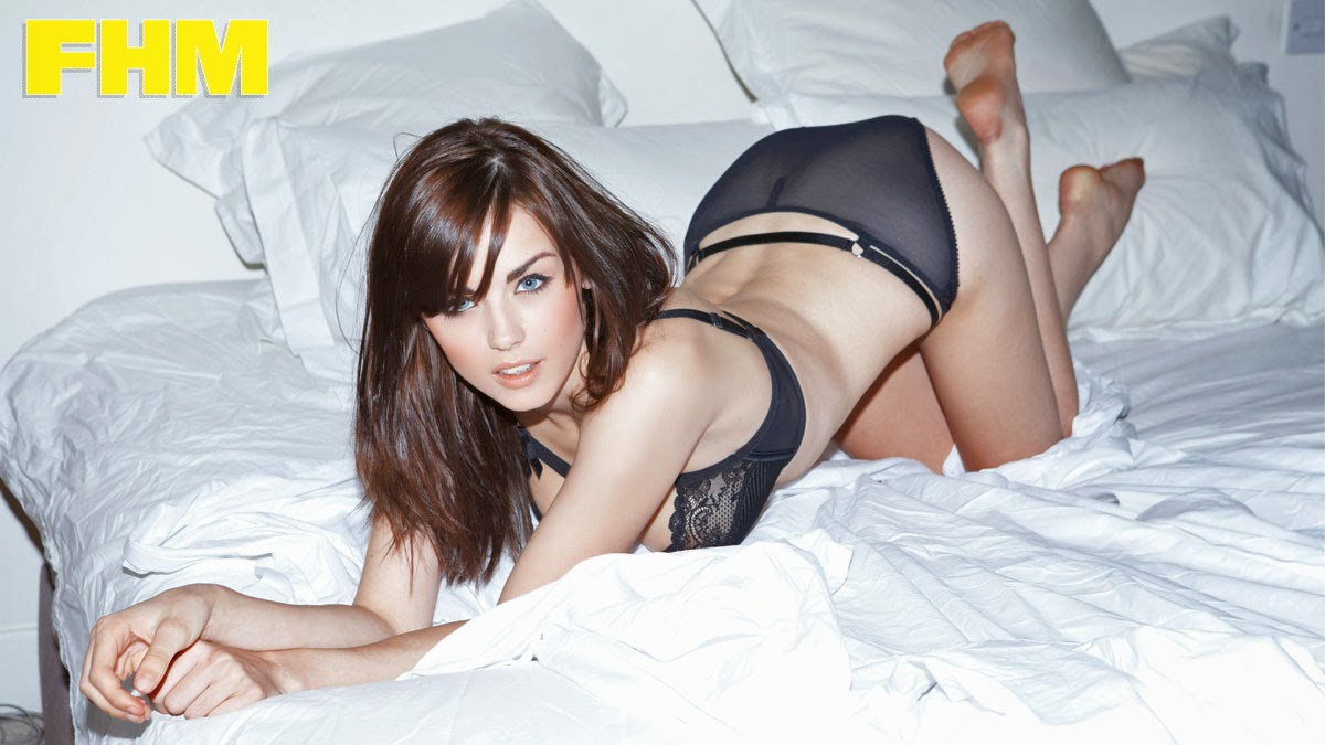 Danielle Sharp en FHM 2013