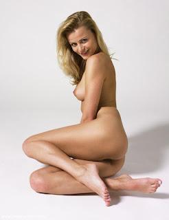 Horny and twerking - sexygirl-sofia3_16-756581.jpg