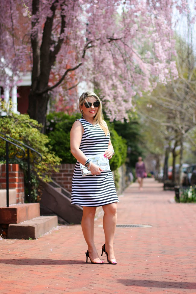 striped dress look of the day
