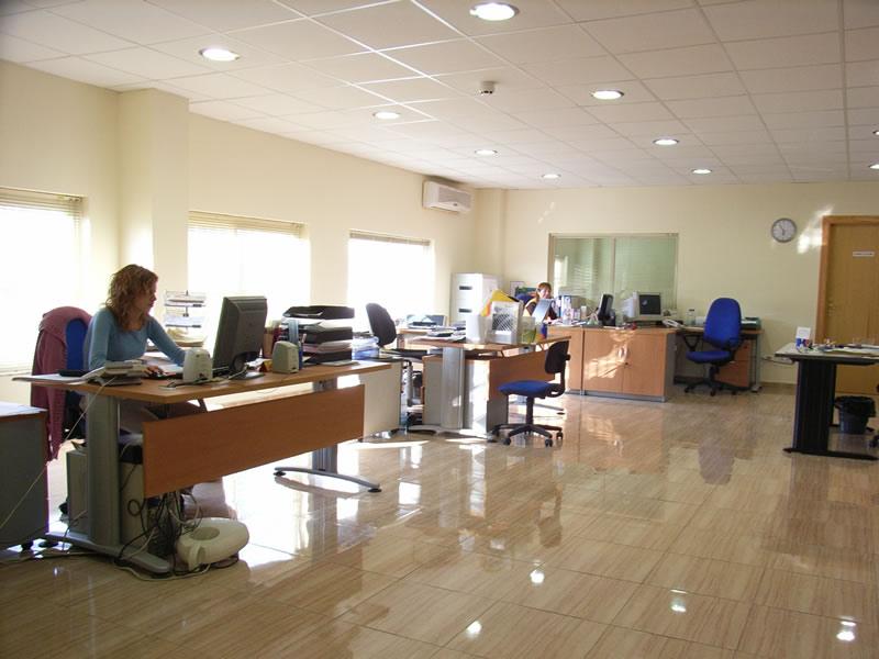 Megaoffice la importancia de la iluminaci n en la oficina for Importancia de la oficina