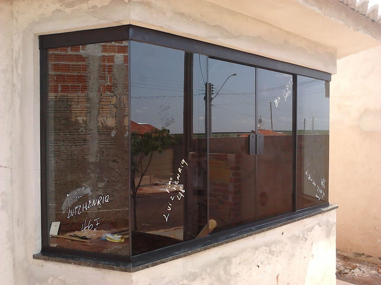 #8D623E FRANCO VIDROS TEMPERADOS: Obra em Ourinhos  324 Janelas De Vidro Temperado Fume Preço