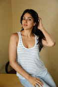 Sakshi Chowdary dazzling photo shoot-thumbnail-7