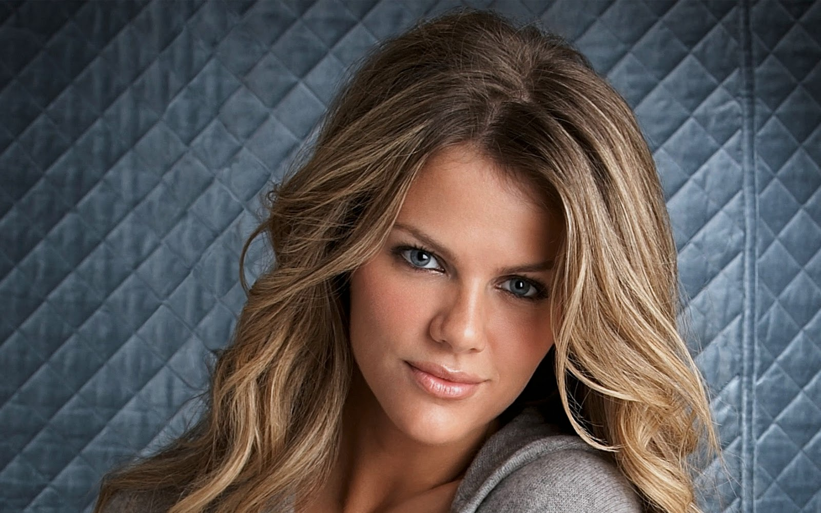 STYLE: BROOKLYN DECKER... Brooklyn Decker Images