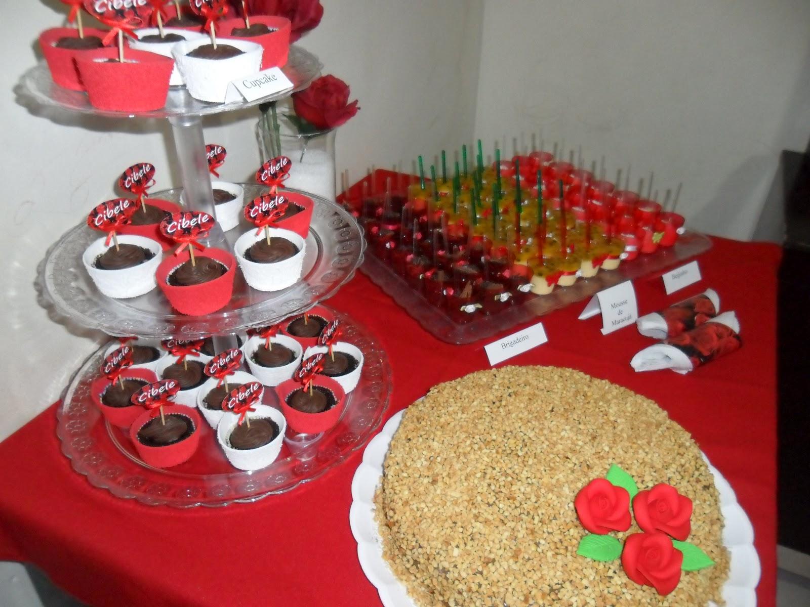 decoracao festa simples: infantil em Pirapora MG: Festa Vermelha Adulta (decoração simples