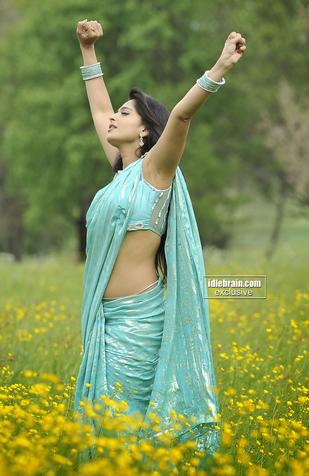 Anushka shetty cute pictures Divya - Tamil actress photos-pictures images of Tamil