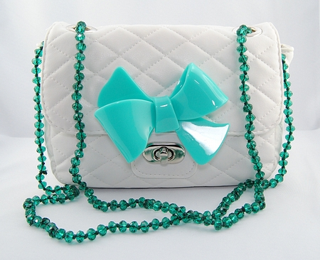 sweet papillon milano, guendalina tavassi, veronica cattaneo, amanda marzolini, fashion blogger, italian fashion blogger, perspex, bag, bow, fiocchi, bijoux in plastica colorata, pet jewels, style blog, outfit blog,