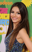victoria-justice04-kids-choice-awards-2011.jpg