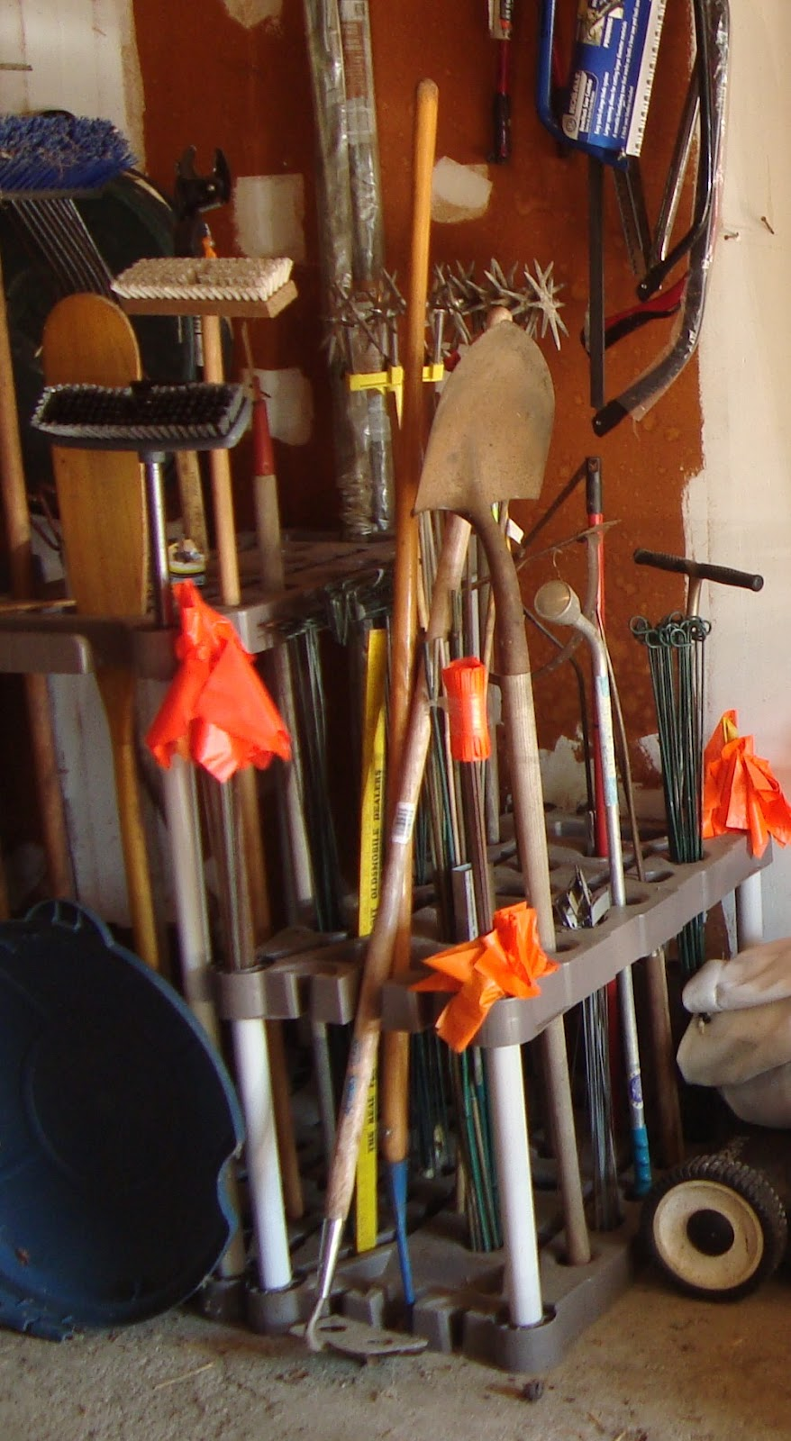 Eat That Elephant Blogspot: Organize Your Garden Tools....part 4