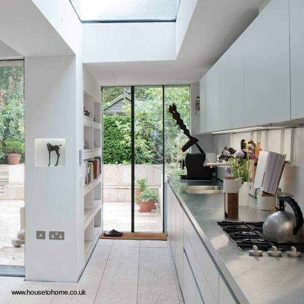 Arquitectura de Casas: Cerramiento translúcido sobre la cocina.