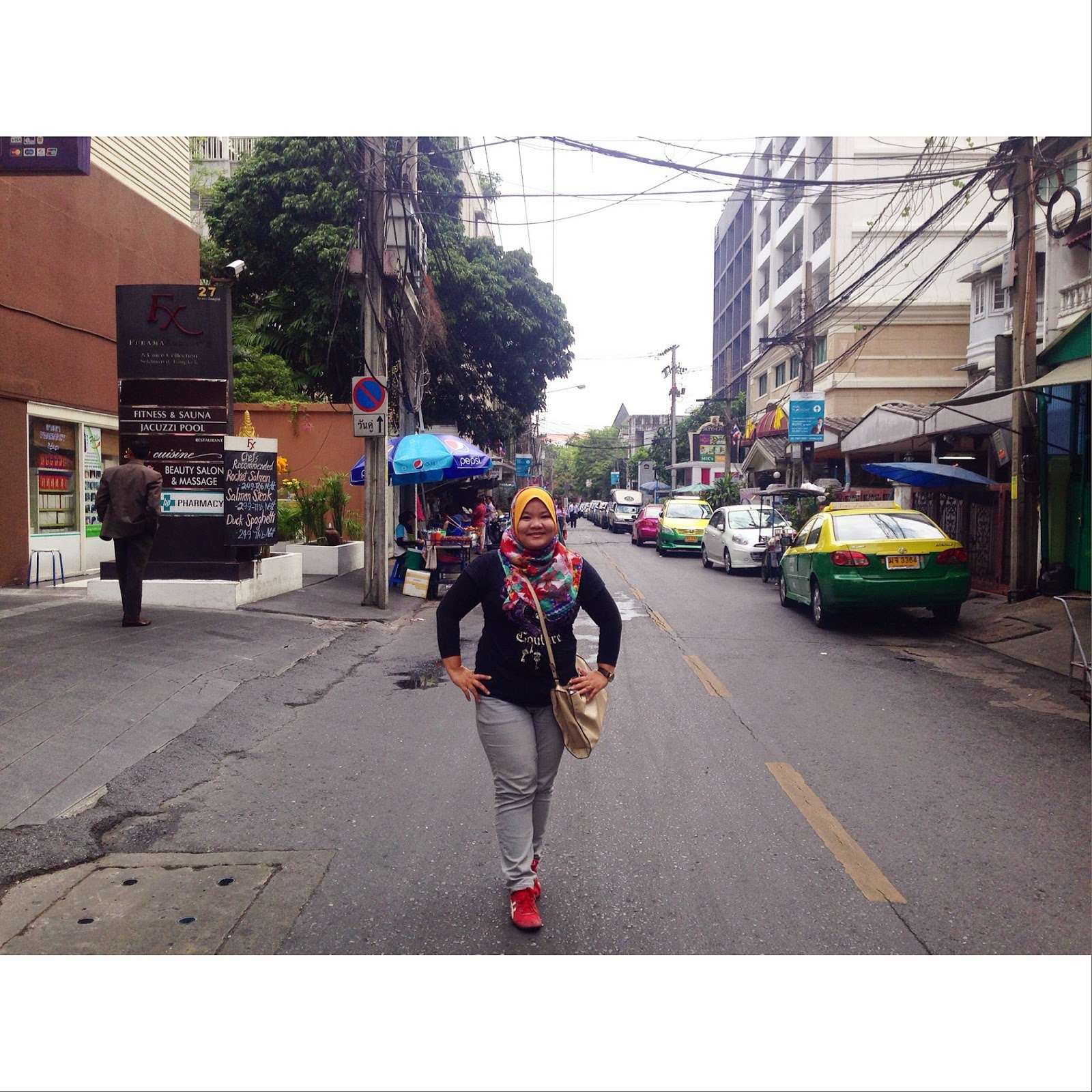 2015 Trip To Bangkok DAY 2 Floating Market Sheep Crocodile Farm MBK Mall