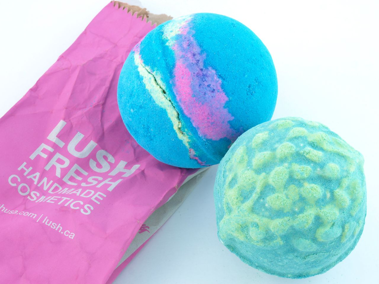 lush intergalactic guardian of the forest bath bombs review