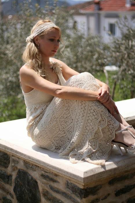dantelli giyimler, dekolte elbiseler