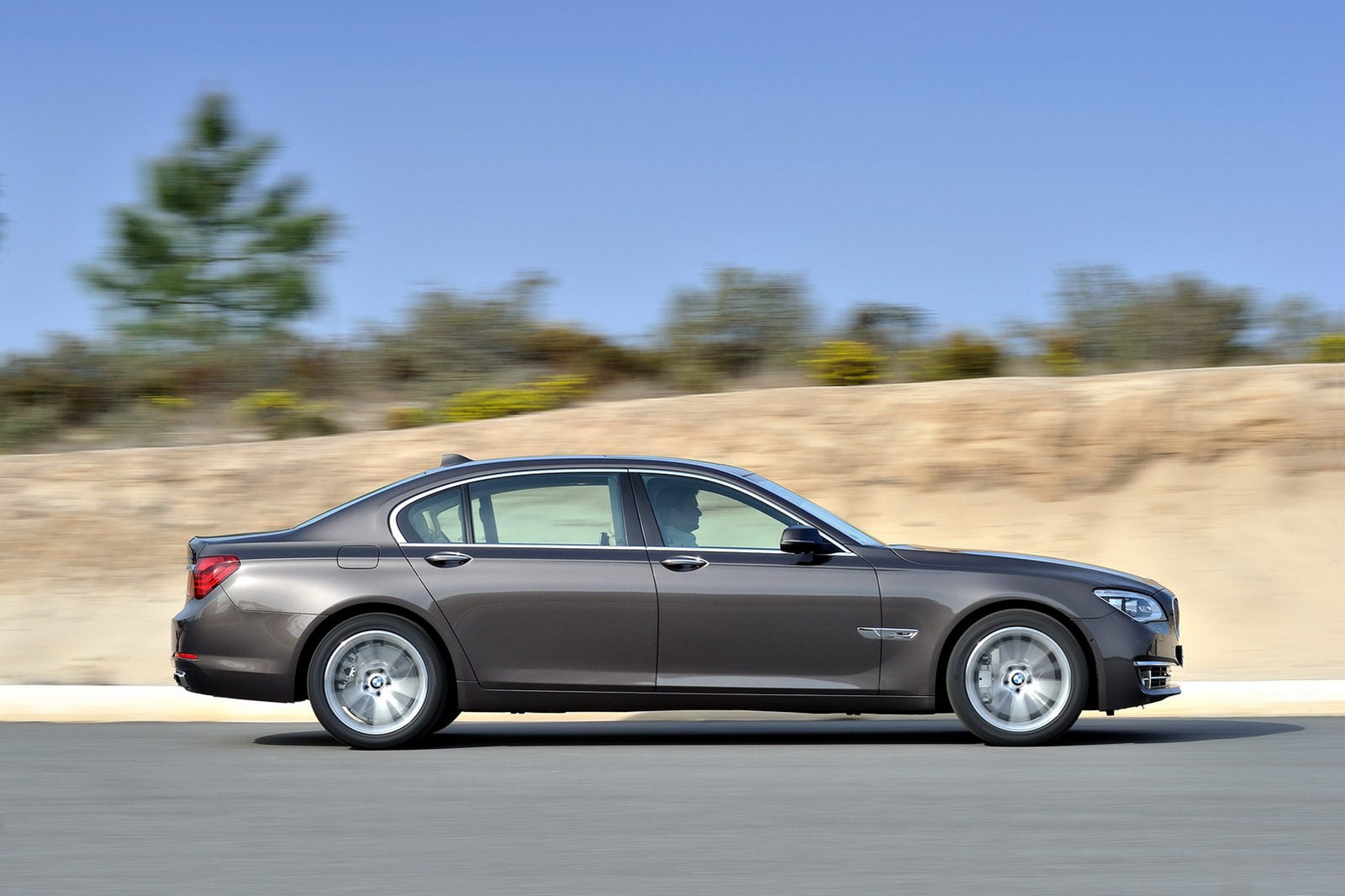 This Just In Official 2013 Bmw 7 Series Lci Facelift
