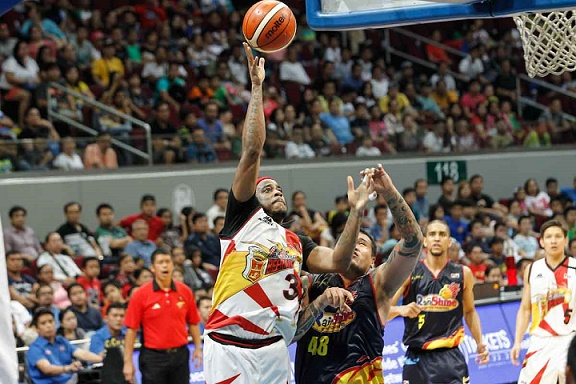 Arizona Reid fires 22 points to help San Miguel overcomes a huge Rain Or Shine lead