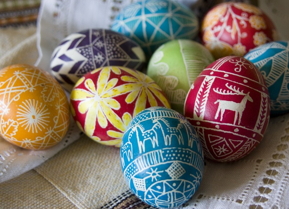 Что делать с несъеденными освященными продуктами: яйцами, куличами