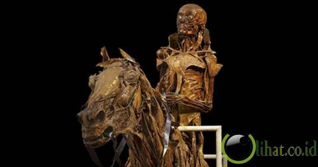 Mumi Pengendara Kuda