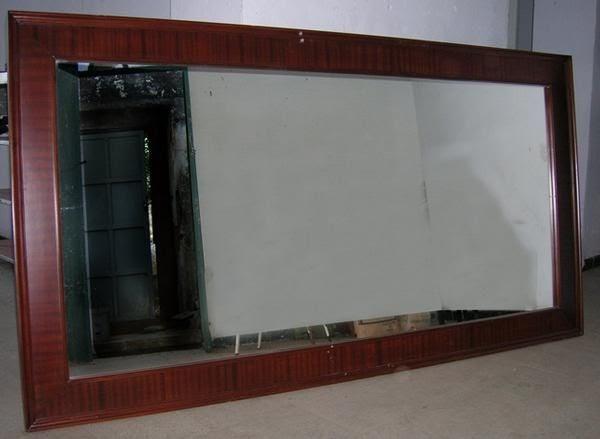 Musa papel y pluma espejos relato y poes a for Espejos grandes de madera