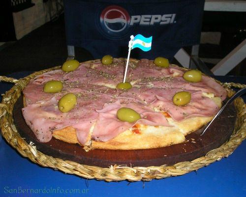 Cómer pizza en San Bernardo