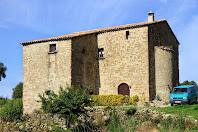 La Casa Gran és una altra de les grans masies del veïnat del Casó del terme de Montclar
