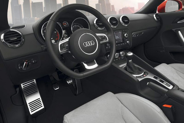 2011 Audi TT Roadster Interior Entertainment