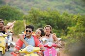 Run Raja Run Movie Stills-thumbnail-10