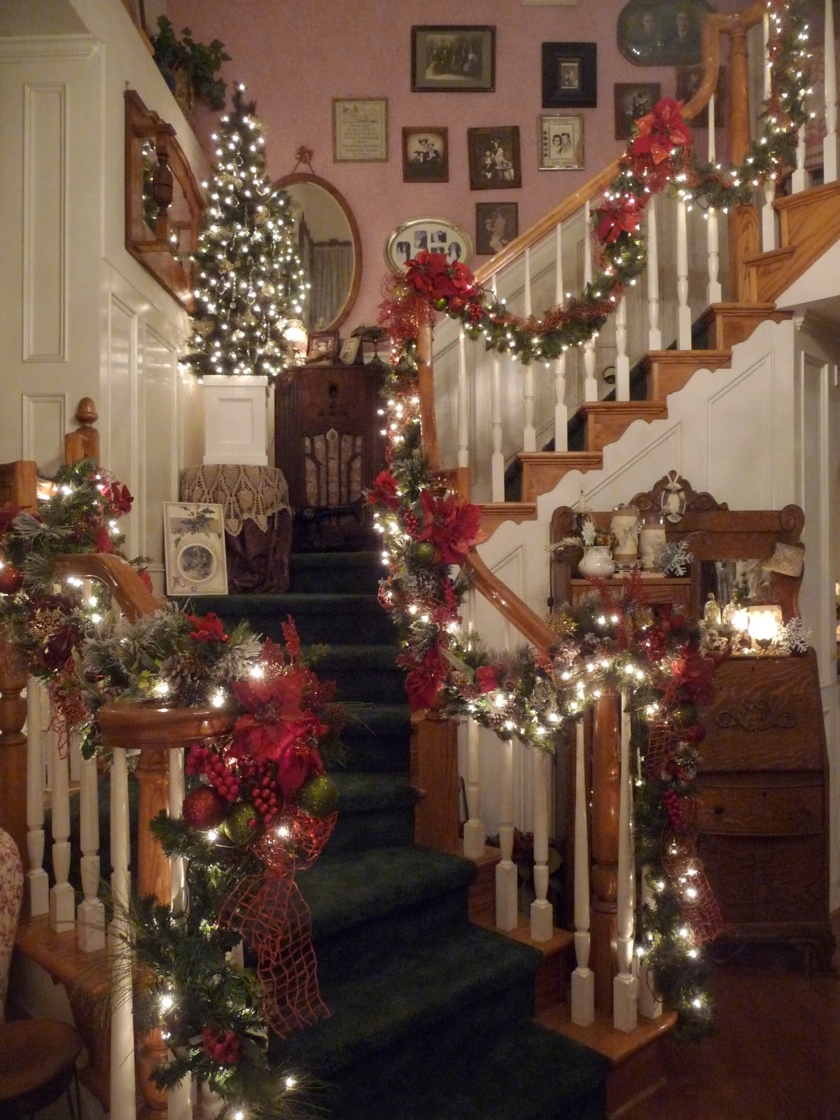 Heirlooms christmas banister for How to decorate a banister
