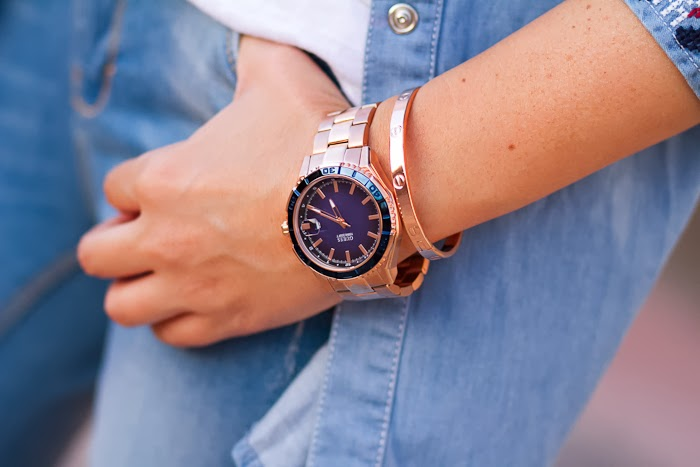 Guess Watches W0224G3 Blue and Rose Gold Watch