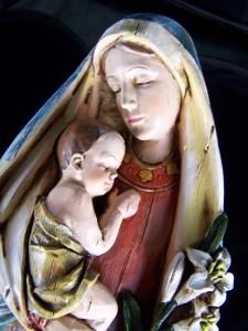 Mária a kis Jézussal, anyai oltalmában