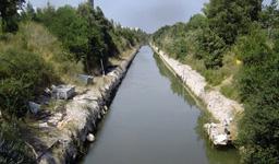 Garganistan Gargano Laguna di Lesina Canale Acquarotta