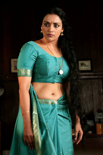 Mallu hot Masala. Indian masala Actress, Swetha Menon,Blue Saree, Deep Navel Show