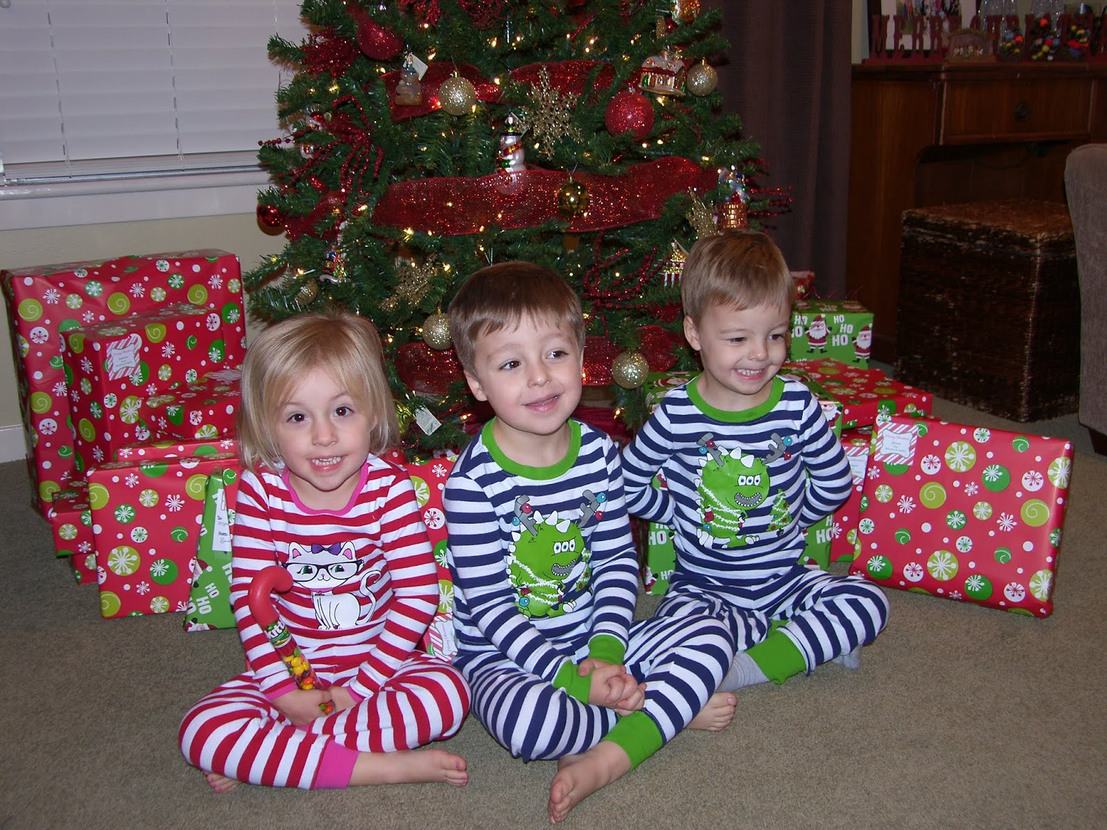 Siemsglusz Triplets: Christmas Morning