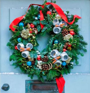 Holly decorations, ideas, Christmas decorating ideas