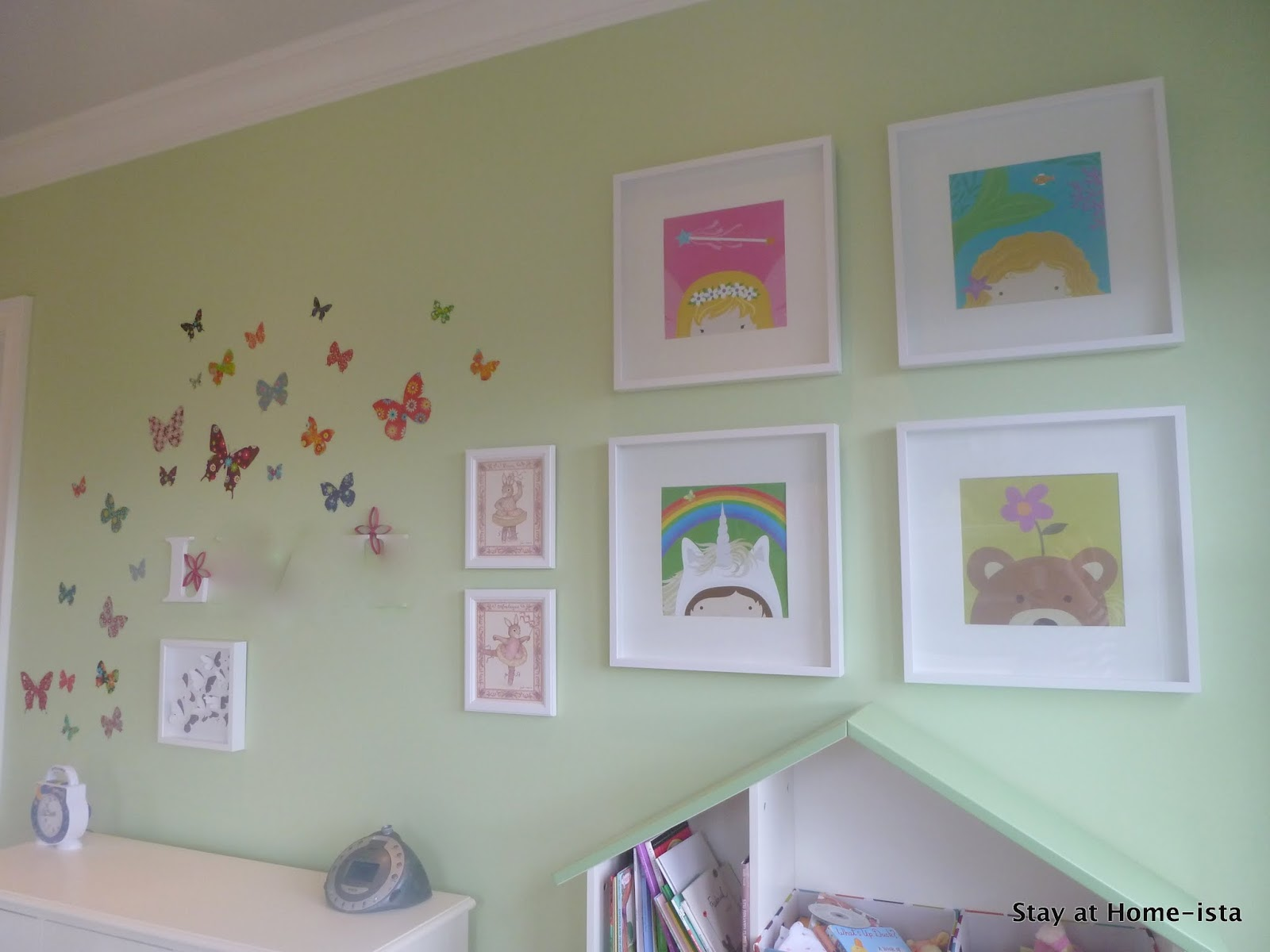 Little Girlu0027s Butterfly Bedroom
