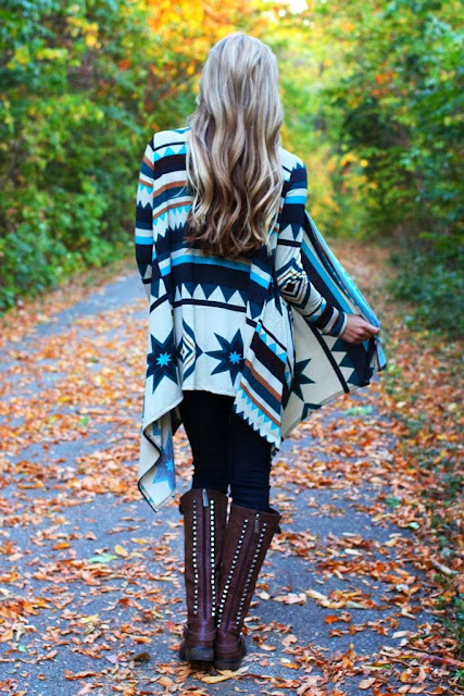 Colorful and amazing oversized cardigan with long brown boots for fall