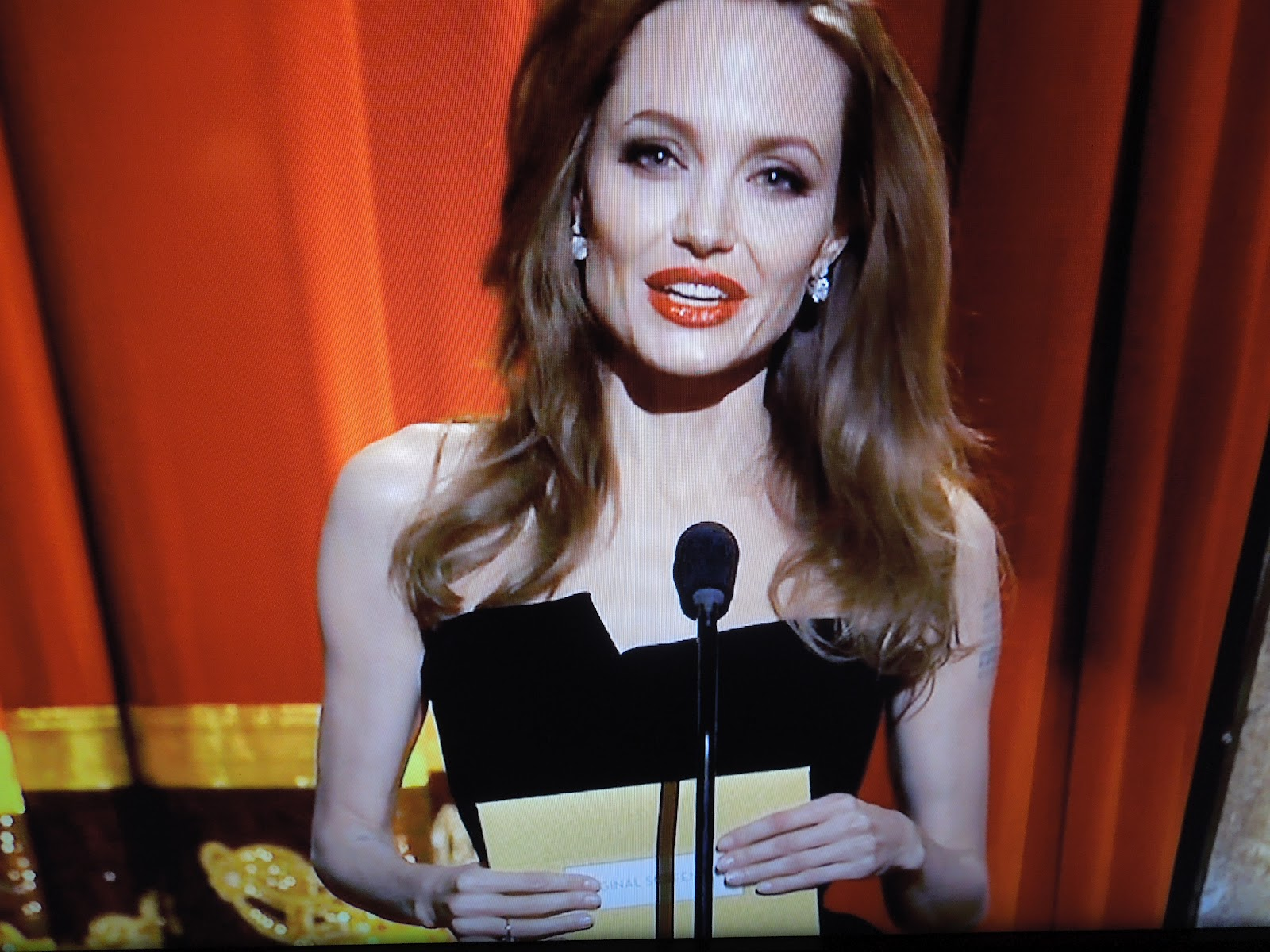 Angelina at the Academy Awards: Too Thin or Fashion Win