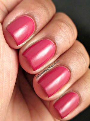 Crystal International Oriental Oaisis, red, raspberry, creme, swatch, nails